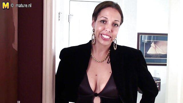 Mejor porno sin registro  Negra cachonda se corre pelicula xxx español latino en sus dedos en Porn Yeah