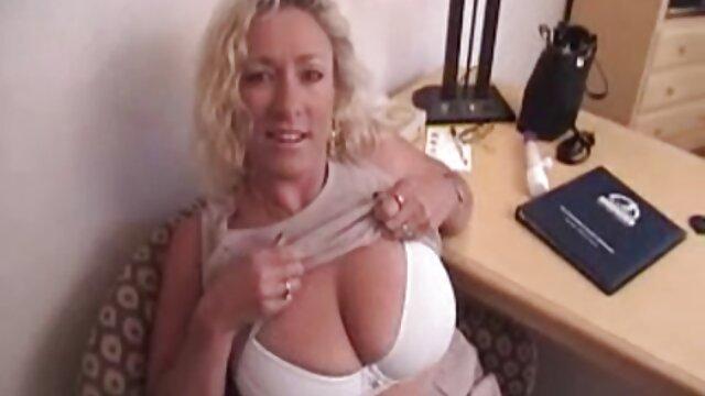 Mejor porno sin registro  Chicas masturbándose pollas con semen volando por todas peliculas xxx gratis en español latino partes 3