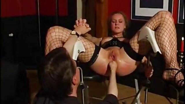 Mejor porno sin registro  Un tipo afortunado recibe acción con una morena de grandes xxx español latino gratis tetas