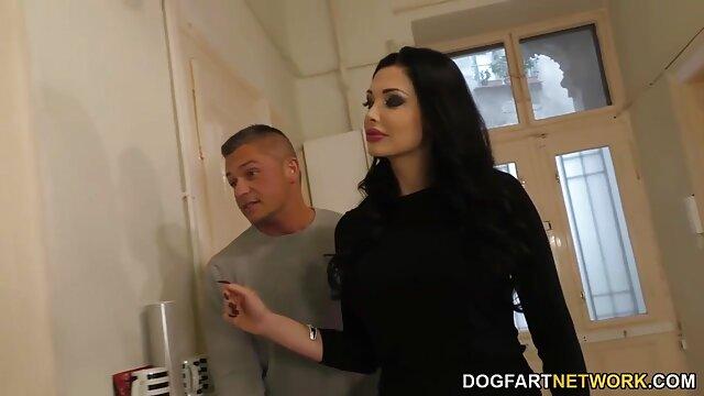 Mejor porno sin registro  Casting de peliculas porno en audio latino una guapa jovencita amateur analizada en trío