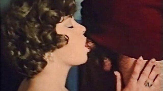 Mejor porno sin registro  La abuela es follada en la videos xxx audio latino cocina