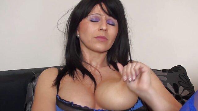 Mejor porno sin registro  Sexy milf rubia en un bosque xxx español latino gratis desierto