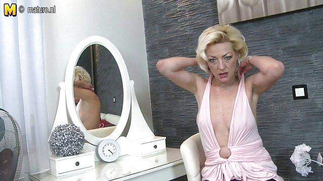Mejor porno sin registro  Rubia sexy con buenas tetas haciendo ejercicio y usando un consolador para follar su peliculas xxx gratis en español latino estrecho coño