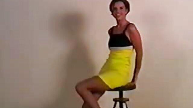 Mejor porno sin registro  Fiona se pone peliculas porno completas español online cachonda tras una llamada de negocios y se masturba