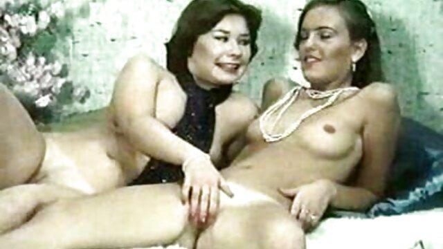 Mejor porno sin registro  Pequeña adolescente y madrastra tetona tienen un trío caliente ver peliculas porno online latino