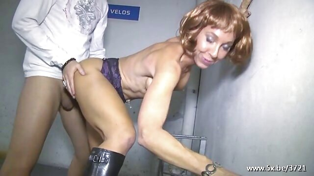 Mejor porno sin registro  Chica de oficina chupa al éxito videos xxx audio español latino