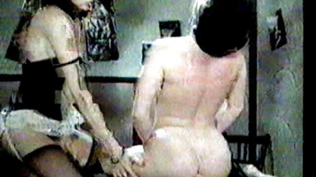 Mejor porno sin registro  Omegle 01 pelicula porno en espanol latino - Dos adolescentes lesbianas en el baño