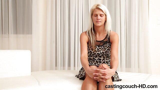 Mejor porno sin registro  Enfermera rubia tetona porno gratis online español follada a pelo